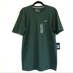 Men's Green Standard Fit Nike Short Sleeves Tees.